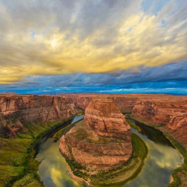 Look around the Horseshoe Bend in the Colorado River, Arizona
